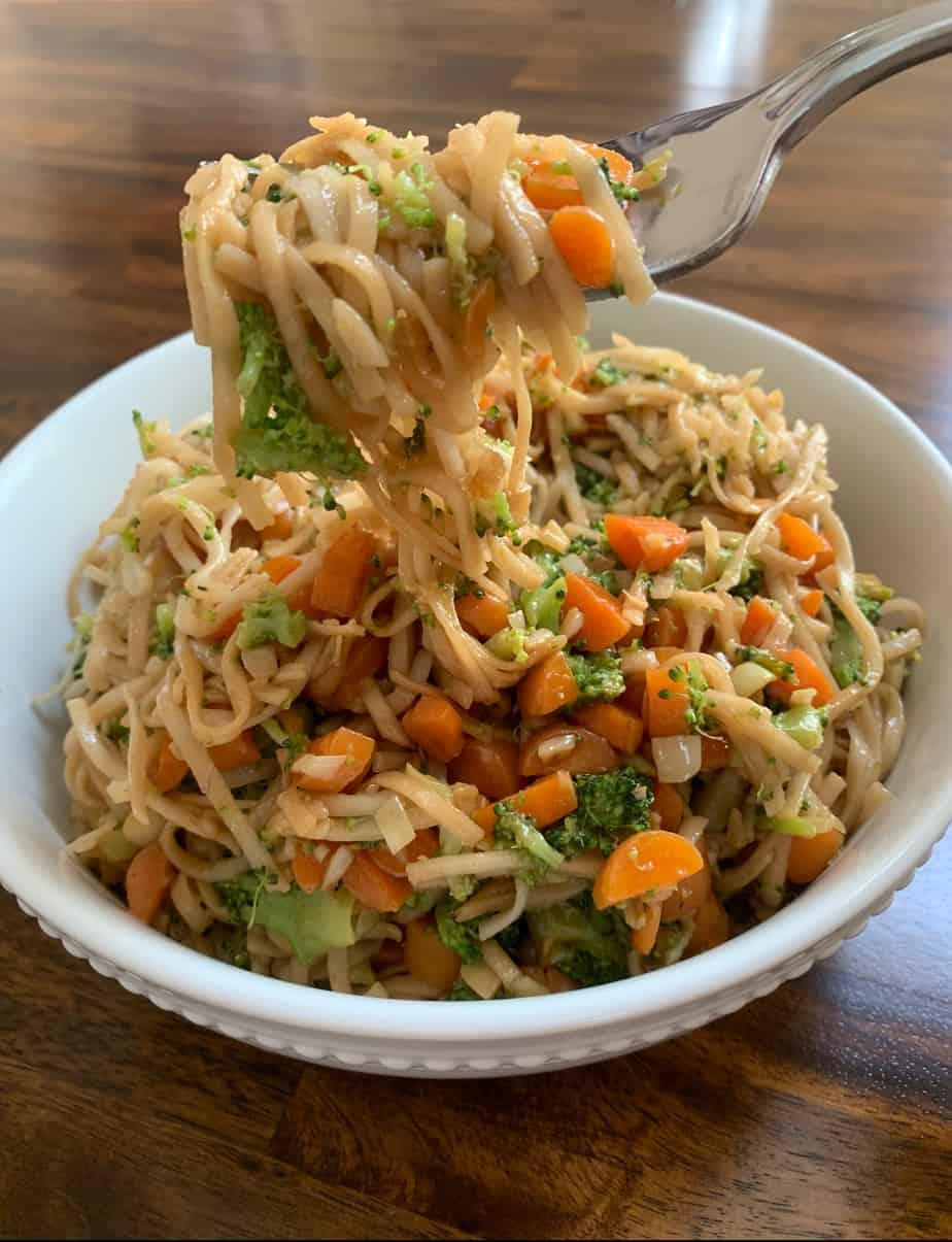 Garlic Broccoli Lo Mein