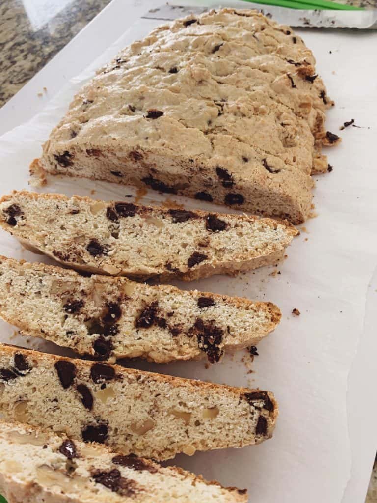Slice the biscotti.